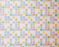 Vintage wallpaper roll floral pattern fantastic for by altmeansold
