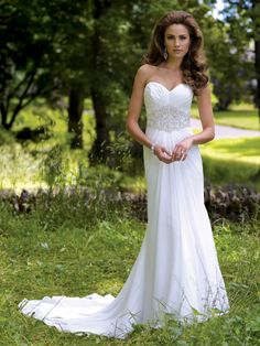 Style 113214, Maxie, is an elegant strapless chiffon wedding dress designed by David Tutera for Mon Cherio. Click for more information on this style.