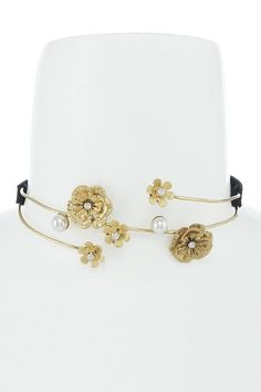 Vintage Faux Pearl & Yellow Gold Floral Choker Necklace Just Arrived! Bridal Jewelry, Jewelry Gifts, Antique Jewelry, Vintage Jewelry, Chokers, Ocean Drive, Friend Gifts, Christmas Jewelry, Jewels