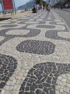 Praia Ipanema, pedra português