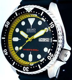 A yellow chapter-ring on otherwise factory SKX007.