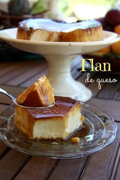 Flan de Queso I love this Mexican Food Recipes, Sweet Recipes, Dessert Recipes, Yummy Treats, Delicious Desserts, Sweet Treats, Chocolates, Donuts, Carribean Food