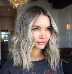 Blonde Hair Dark Eyes, Ash Blonde Hair Balayage, Blonde Hair With Roots, Ashy Hair, Blonde Hair Looks, Blonde Hair With Dark Eyebrows, Hair Colors For Blue Eyes, Hair Melt, Light Auburn Hair