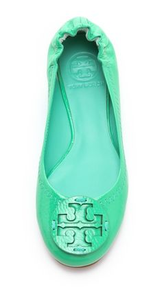 Tory Burch Reva Tumbled Patent Flats in Green (turquoise) Cute Shoes, Me Too Shoes, Pretty Shoes, Fashion Shoes, Fashion Accessories, Ballet Fashion, Girl Fashion, Looks Style, My Style