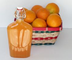 Orangecello Orange Liqueur - Note: Everclear is 190 proof alcohol) and in some states of the U. a 151 proof alcohol) is sold instead. The 190 or 151 proof is fine to make orangecello. If you can not find grain alcohol in your region, use 100 Fun Cocktails, Cocktail Drinks, Fun Drinks, Yummy Drinks, Alcoholic Drinks, Beverages, Cocktail Recipes, Homemade Alcohol, Homemade Liquor