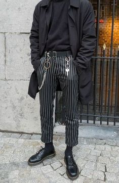 Schwarz / weiß gestreifte Hose, schwarze Abendschuhe, … – … – Outfits – Black and white striped pants, black evening shoes, … – … – Outfits – shoes … Black Suit Jacket, Black Suits, Jacket Men, Black White Clothes, Off White Pants, Mode Masculine, Moda Grunge, Grunge Goth, Grunge Men