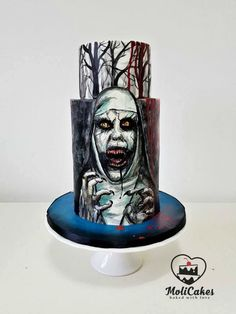 Conjuring cake by MOLI Cakes
