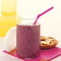 Green Tea, Blueberry, and Banana Smoothie