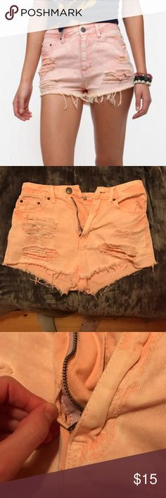 BDG high rise DREE cheeky light pink shorts Urban outfitters purchase too small on me. Small tear at base of zipper from trying on over my huge thighs 😩😂 shouldn't have tried. Not noticeable when on Urban Outfitters Shorts Jean Shorts
