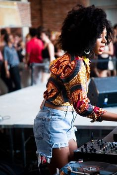 studioafrica:  Great shot of Studio Africa advocate Solange Knowles on the ones and twos