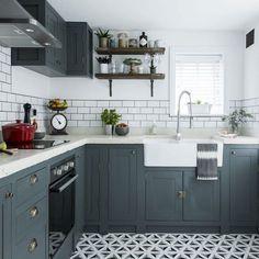 Sage Green Sage Green Painted Kitchen Doors   Roma Shaker   Kitchen ...