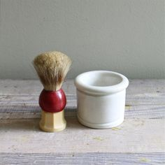 vintage bakelite handled shaving brush and ironstone cup. cup is warm white ironstone with lots of crazing. Shaving Brush, Wet Shaving, Shaved Hair Cuts, Straight Razor Shaving, Safety Razor, Horse Hair, Barber Shop, 2 Bits