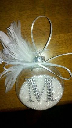 follow me @cushite I like this idea for a DIY Christmas ornament..These are awesome. Can't wait to make one for Allyssa!! Diy Christmas Ornaments, Diy Christmas Gifts, Holiday Crafts, Ornaments Ideas, Beaded Ornaments, Beaded Crafts, Ornament Crafts, Clear Ornaments, Homemade Ornaments