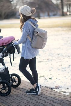 How to pack a diaper bag for two kids with Fawn Design diaper bag in Stone