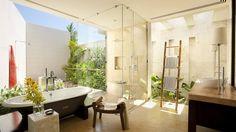 Banheiro com luz natural