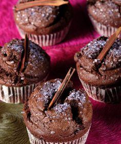 Μικρά κέικ με κανέλα και σοκολάτα