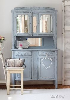 Painted furniture. There's something about this blue-gray color and the old vintage mirrors that I love! (So I finally pinned it! LOL)