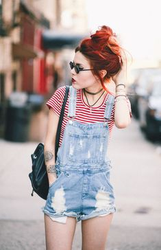 38 Trendy Overalls Outfits Ideas for Summer - Trendy Outfits Overall Shorts Outfit, Ripped Jeans Outfit, Fashion Guys, Grunge Fashion, Fashion Outfits, Cute Summer Outfits, Short Outfits, Trendy Outfits, Casual Summer