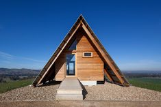 Kimo Hut by Anthony Hunt and Luke Stanley Architects