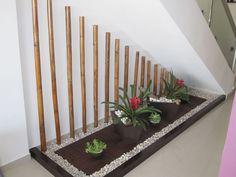 21 Inspiring Under Stairs Pebble Garden Ideas -Get the inspiration you need to p. Indoor Zen Garden, Indoor Bamboo, Jardin Zen Interior, Interior Garden, Pebble Garden, Zen Rock Garden, Interior Stairs, Interior Design Living Room, Small Garden Under Stairs