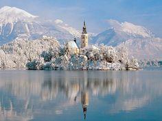 fairytale church on the lake, i sooooo want to go here in winter!
