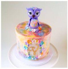 Watercolour owl cake