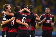 Vitória da Alemanha contra o Brasil vai parar no PornHub Cultura Nerd, Sumo, Wrestling, Sports, Germany, Soccer, Brazil, Lucha Libre, Hs Sports