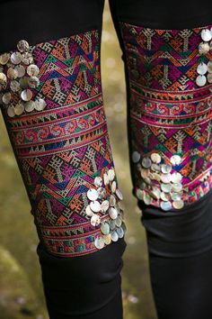 """In love with Sendra Boots"" Boho Chic, Hippie Chic, Fashion Details, Diy Fashion, Hippie Elegante, Hippie Jeans, Mode Hippie, Look Boho, Denim And Lace"