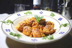Le cocule, sono un piatto tipico della cucina salentina del periodo pasquale, a base di patate o ricotta, pane raffermo, uova, menta e prezzemolo.