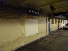 4 Av-9 St (F) (G) train platform sign