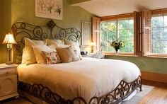 LOVE the bed frame! At Cumberland Falls Bed and Breakfast Inn - Asheville, North Carolina Master Bedroom, Bedroom Decor, Girls Bedroom, Bedroom Ideas, Wrought Iron Beds, Breakfast In Bed, Breakfast Ideas, Cozy Bed, My New Room