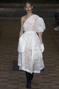 See the 10 collections that made our best-of Spring 2017 list: Simone Rocha.
