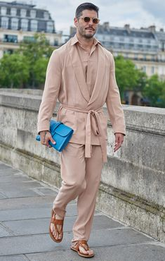 The best-dressed attendees at Paris Fashion Week wore a masterclass in suave summer style. These are our favourite looks from the menswear shows. Suit Fashion, Mens Fashion, Nude Outfits, Best Dressed Man, Pink Suit, Masculine Style, Mens Attire, Street Style Looks, Nice Dresses