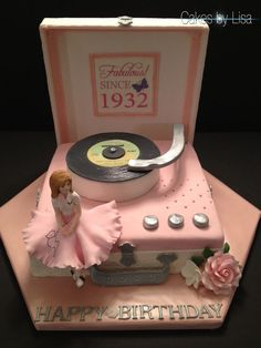 CAKES BY LISA ~ This is beautiful.  I am so making this one.