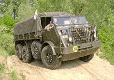 Daf Y-328 Army Vehicles, Truck Design, Classic Trucks, Classic Cars, Military Equipment, Motor Car, Cars And Motorcycles, Cool Cars, Volkswagen