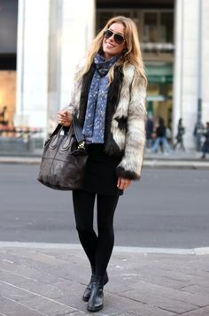 Never would've put that coat with that scarf but so cute!
