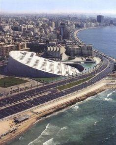 a biblioteca de Alexandria para mais informacoes http://alltoursegypt.com/brazil/package_tours/tours_em_cairo-23.html