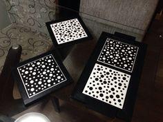 Bandeja e apoios wood na versão polska dots em preto e branco. Um arraso!!