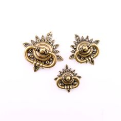 HJY Hardware offers the industry's most extensive line of pulls and knobs and other hardware. Cabinet And Drawer Knobs, Antique Silver, Drawers, Brooch, Antiques, Rings, Jewelry, Antiquities, Antique