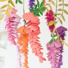 Hanging Paper Flowers, Paper Flower Centerpieces, Paper Flower Garlands, Paper Flower Arrangements, Paper Plants, Paper Flowers Craft, Paper Flowers Wedding, Tissue Paper Flowers, Paper Flower Wall