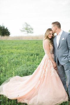 Photography: Alea Lovely - alealovely.com   Read More on SMP: http://www.stylemepretty.com/2016/05/10/see-it-here-first-nikki-ferrel-from-the-bachelor-engagement-session/