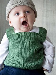 Knitting Baby Vest Moppet Vest – Knit this childrens square neck vest from Easy Knit… Baby Boy Knitting Patterns, Knit Vest Pattern, Baby Cardigan Knitting Pattern, Knitting For Kids, Baby Patterns, Toddler Vest, Toddler Sweater, Baby Kind, Baby Sweaters