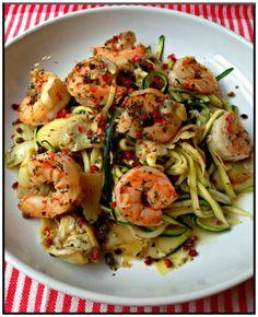 Creamy tomato, zucchini  shrimp gluten free pasta   http://www.ibssanoplus.com/low_fodmap_shrimp_zucchini_pasta.html