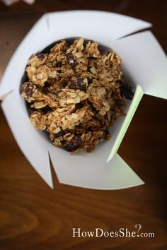 Mom's Best Homemade Granola! The perfect snack for after school, little lunchboxes, to snack on throughout the day, or at your desk at work! Can't beat a healthy treat! ;)