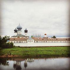 Middle of Nowhere, Russia. Тихвинский Монастырь ______________________________________  #igtravel #Europetravel #igtrip #ig_trip #tikhvin #church  #ig_europe #cathedral #travelphotography #traveler #traveltheworld #ig_travel #travelpics #orthodox #monastery #travelblog #travelphotography #traveler #traveltheworld #traveladdict #amazingview #aroundtheworld #travelgirl #europetrip #europetour  #igeurope  #letsgoeverywhere #traveleurope