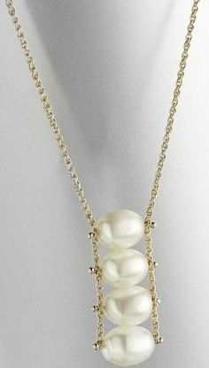simple pearl necklace                                                                                                                                                     More