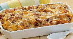 Easy, delicious and healthy Cheesy Bacon and Egg Brunch Casserole recipe from SparkRecipes. See our top-rated recipes for Cheesy Bacon and Egg Brunch Casserole. Breakfast And Brunch, Breakfast Dishes, Breakfast Recipes, Breakfast Ideas, Bacon Breakfast, Breakfast Strata, Breakfast Skillet, Brunch Dishes, Bacon Egg And Cheese Casserole
