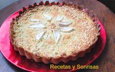 Tarta de pera y almendra http://recetasysonrisas.blogspot.com.es/2013/11/pastel-de-pera-y-almendra.html  # cake # pie # recipe # tutorial # peach # food # almond