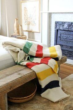 ネイティブアメリカンが売買していた鮮やかな柄の毛布の製造がはじまりのペンドルトン。そのフォークなデザインには、目を惹く魅力を感じます。