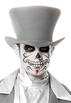 The designs for face painting on Halloween can be as simple or as artistic and detailed as you like. You love to try these amazing Halloween Makeup for Men. Halloween Kostüm, Halloween Costumes, Men's Costumes, Trendy Halloween, Vintage Halloween, Maquillaje Sugar Skull, Mascaras Halloween, Maquillaje Halloween, Dead Makeup
